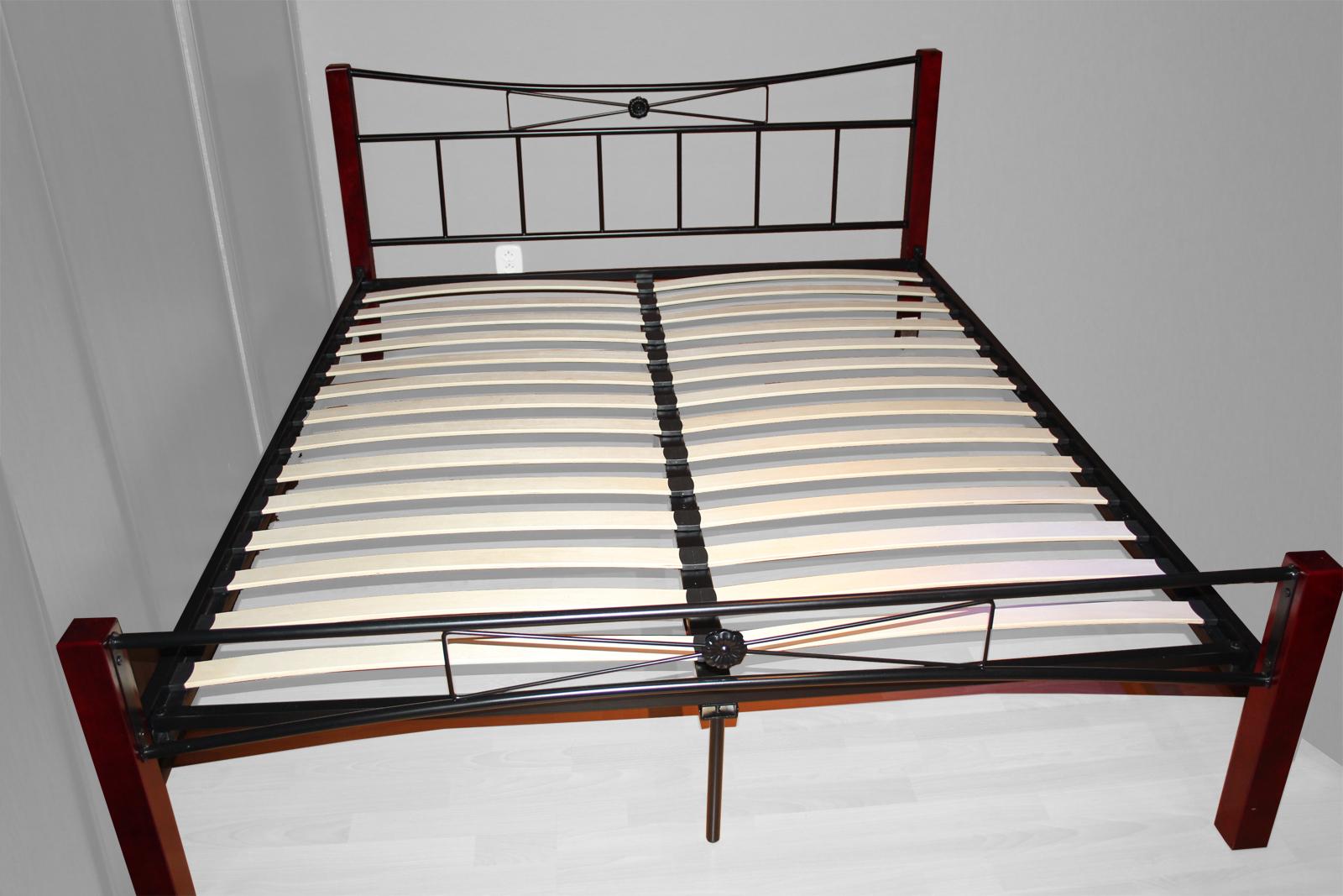 d9f7cf820fc6 Manželská postel 160 cm Paula (s roštem)